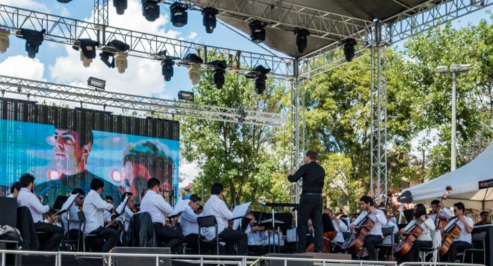 Symphony in Miraflores Park, Cuenca, Ecuador