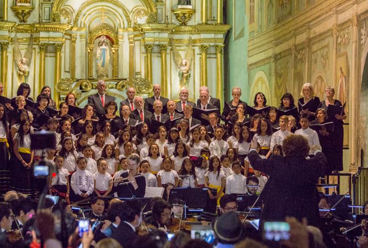 Cuenca, Ecuador Christmas Chorale 2017 - singers