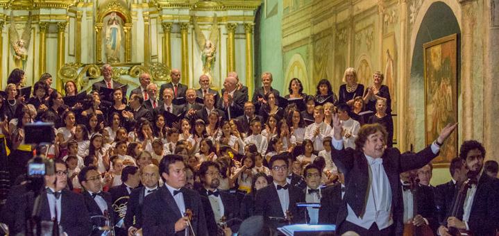Cuenca, Ecuador Christmas Chorale 2017 - applause